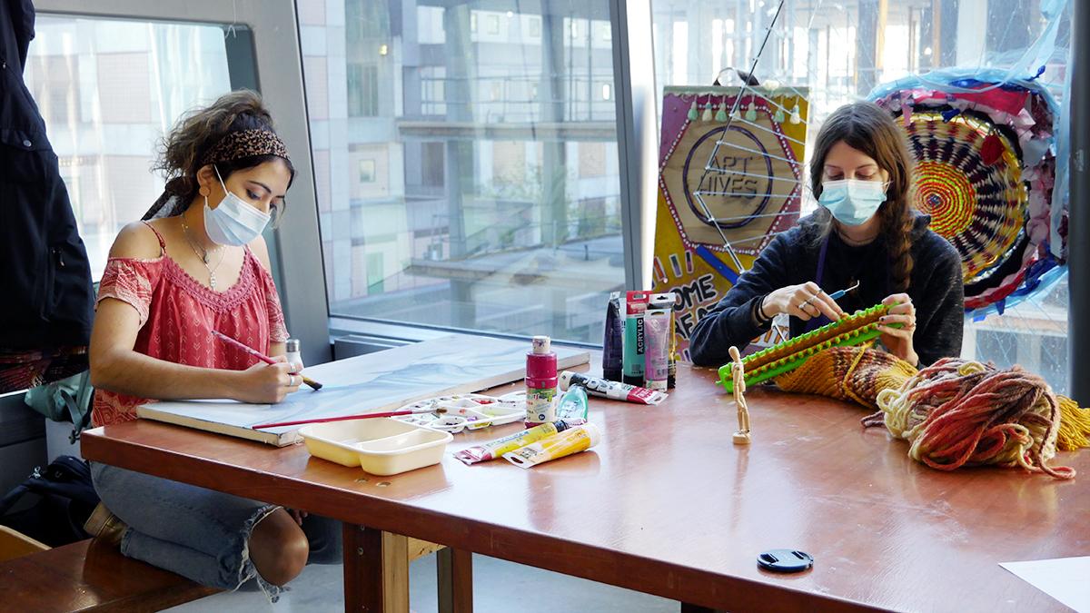 Les facilitatrices de la Ruche d'Art à Concordia, Natalì Ortiz et Cynthia Cousineau.